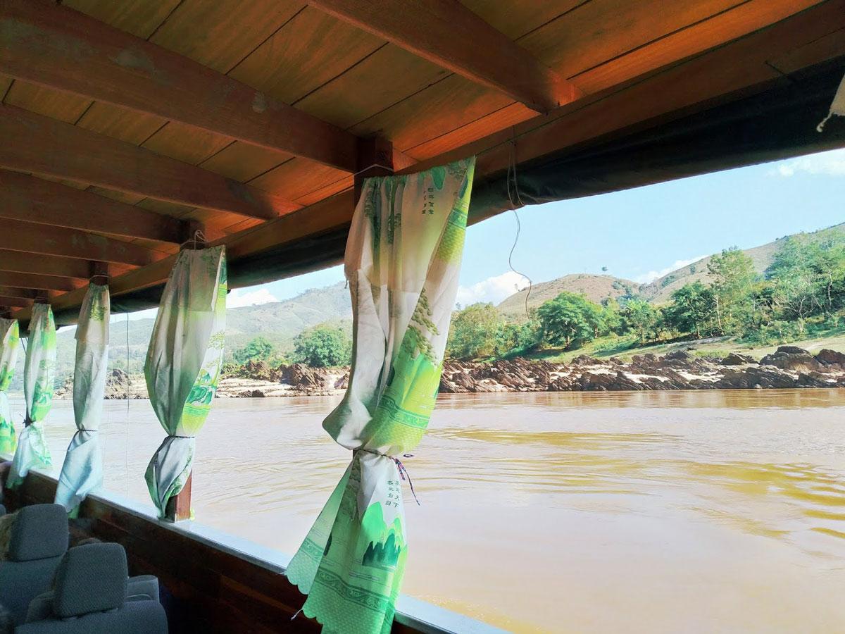 Crociera sul fiume Mekong in Laos