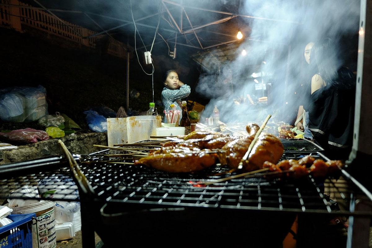 Il Laos zaino in spalla è anche street food