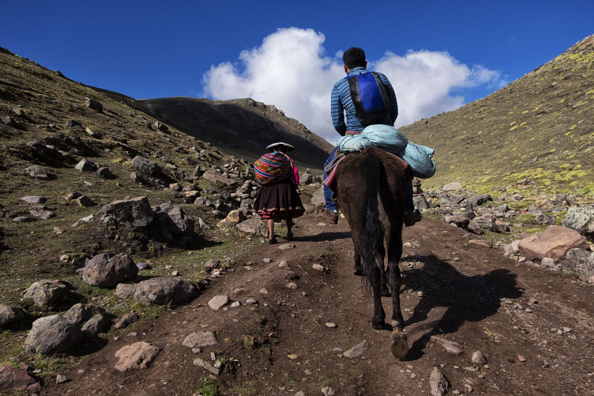 Come raggiungere le montagne arcobaleno in Perù, anche a cavallo