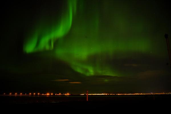 L'aurora danza nel cielo d'Islanda