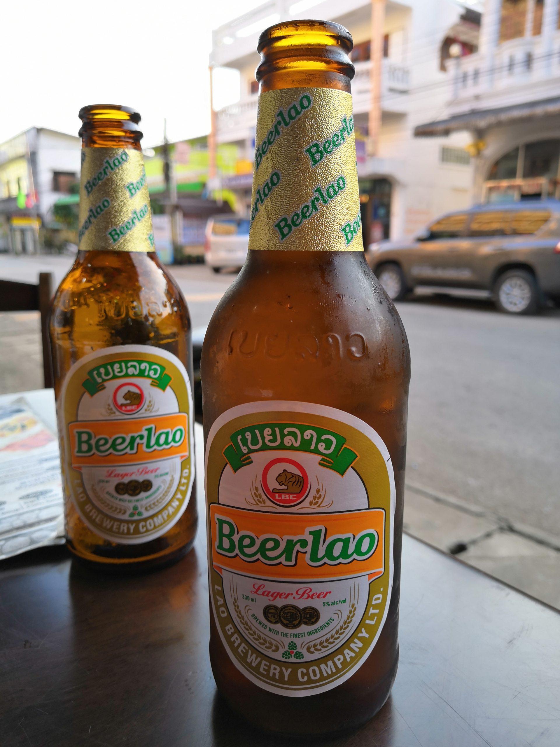 Un viaggio in Laos zaino in spalla deve iniziare per forza con una Birra BeerLao
