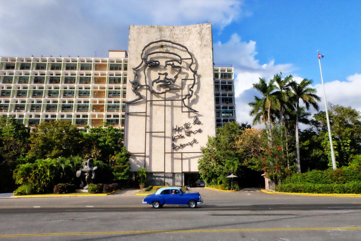 Scultura Che Guevara a l'Havana in Plaza de la Rivolucion