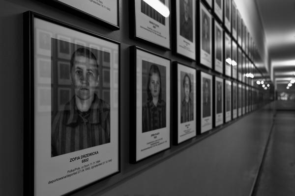 Foto commemorative di alcune delle tante vittime del campo