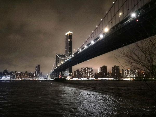 Manhattan bridge, un altro ponte suggestivo ma meno famoso di quello di Brooklyn.