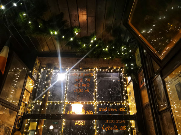 McSorley's, il pub più antico di New York: è nella stessa sede dall'apertura, nel 1854!