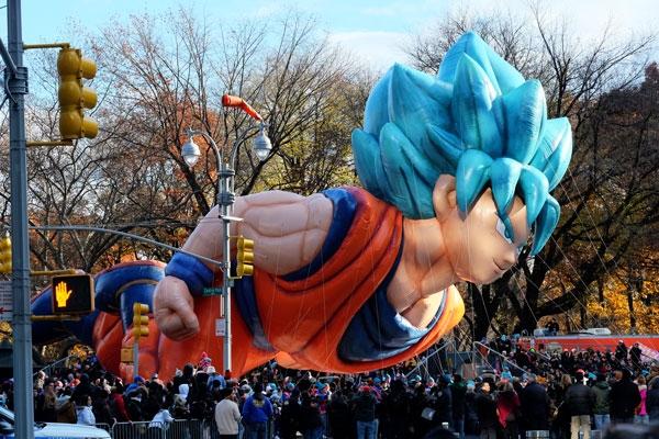 "Goku nella parata del ""Thanksgiving day"" a New York"