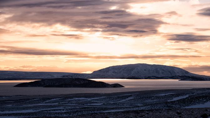 L'alba in Islanda