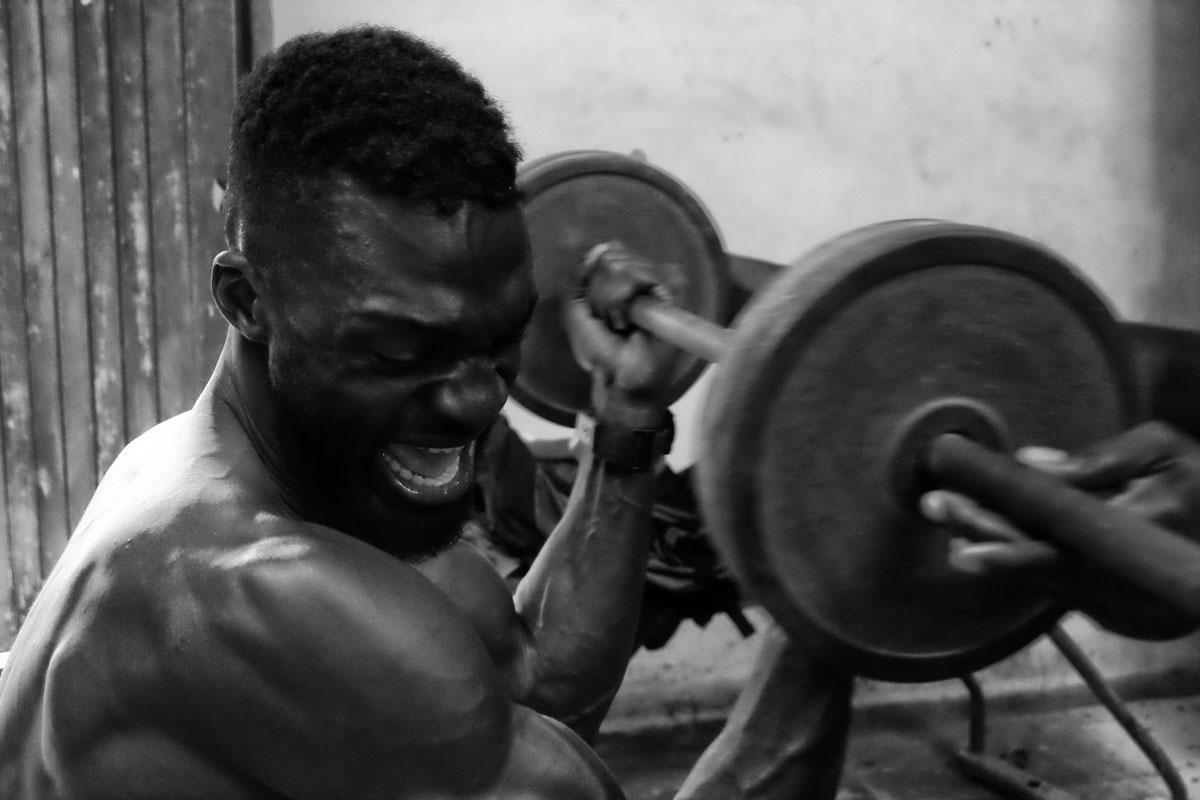 Pugile si allena in una palestra a l'Havana
