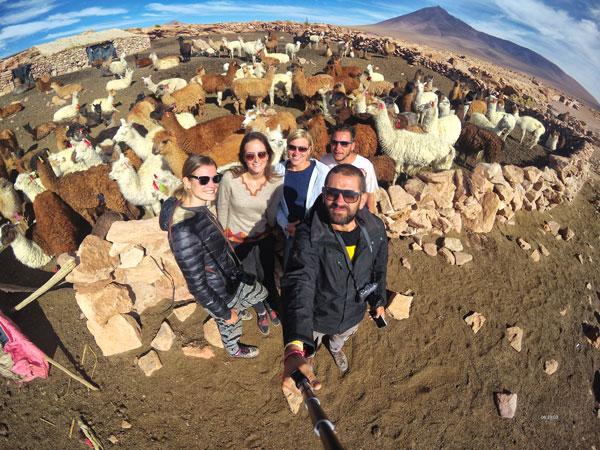 escursione di gruppo nel salar de uyuni in Bolivia