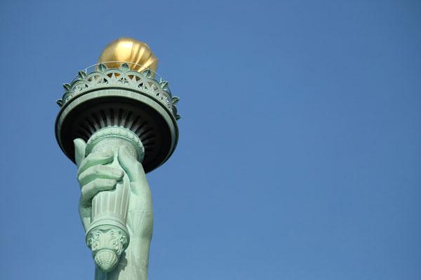 La fiaccola retta dalla Statua della Libertà
