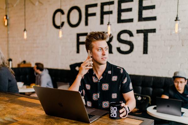 Nomadi digitali per lavorare ovunque, oppure partire per poi ritornare?