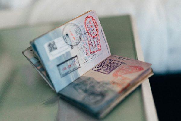 Come organizzare uno zaino da viaggio senza dimenticare il passaporto