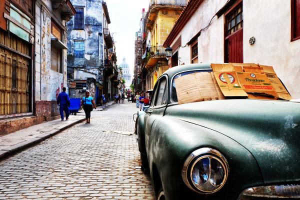 strade del centro a l'Havana veja