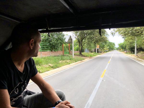 Pick up traformati in mezzi di trasporto per persone