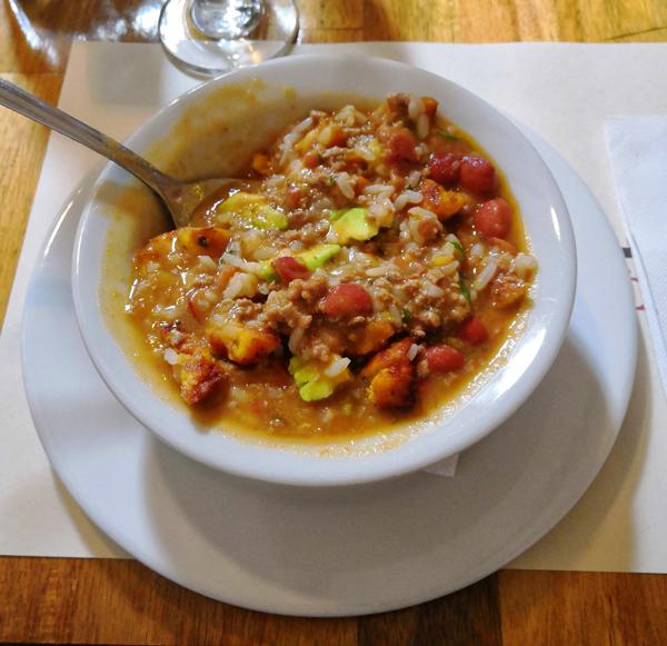 Piatto tipico della cucina colombiana: Assaggerete tanti piatti squisiti durante il vostro itinerario di 3 settimane in Colombia.