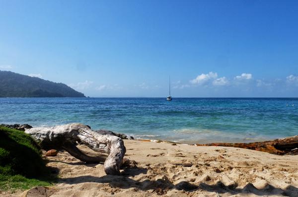 playa blanca a Panama, se volete sconfinare in un altro Paese durante il vostro  itinerario di 3 settimane in Colombia.