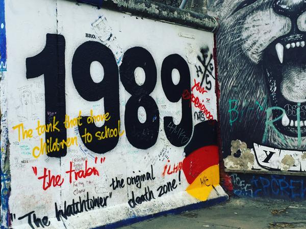 Musica che ricorda Berlino: la caduta del Muro e l'arrivo della techno contribuì ad unire Berlino Est e Ovest